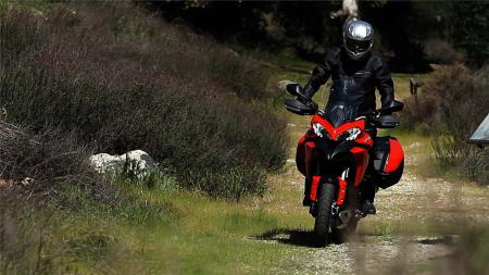 pic6-2013-ducati-multistrada-s-touring-off-road