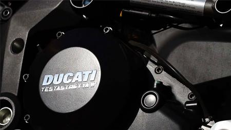 pic9-2013-ducati-multistrada-s-touring-engine