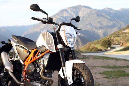 2013 KTM 690 Duke right front static closeup