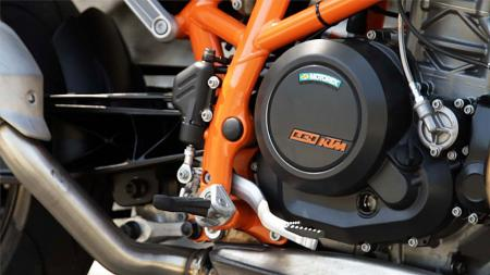 2013 KTM 690 Duke engine