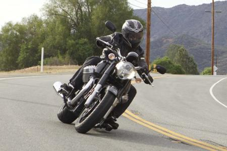 2013-moto-guzzi-california-1400-custom-1