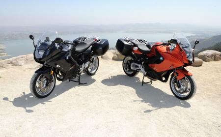 na1_8948-2013-bmw-f800gt-side-by-side