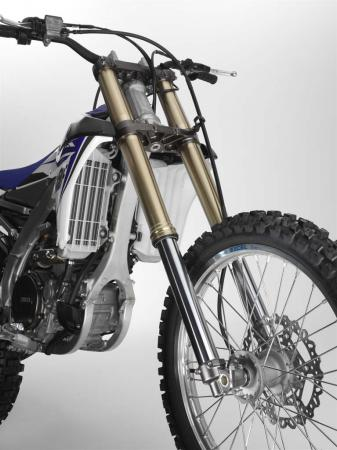 2014-yamaha-YZ450F_FrountSuspension-LargerAxsle_US