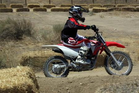 2014-honda-crf125f-action-513I0186