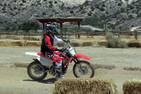 2014-honda-crf125f-action-513I0187