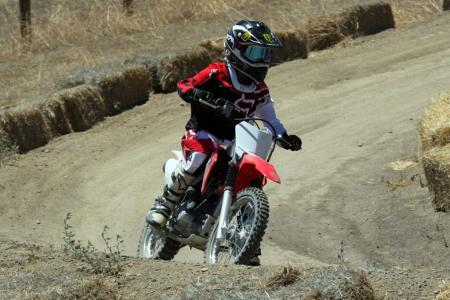 2014-honda-crf125f-action-513I0202