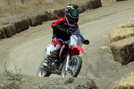 2014-honda-crf125f-action-513I0203