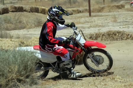 2014-honda-crf125f-action-513I0206