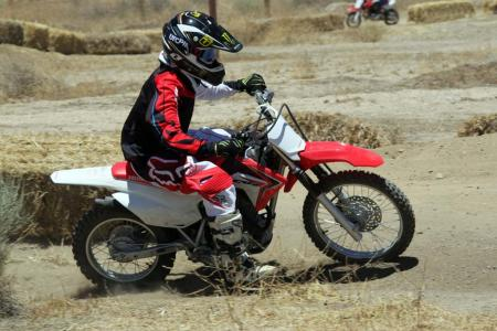 2014-honda-crf125f-action-513I0207