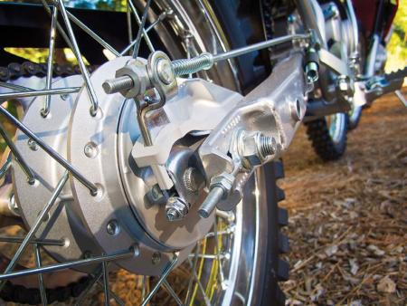 2014-honda-crf125f-rear-wheel-axle