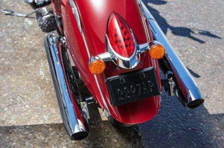 2014-indian-chief-Classic Dual Exhausts