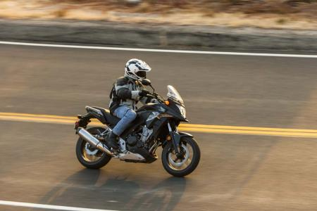4034-Honda_CB500X-Action-EBrasfield