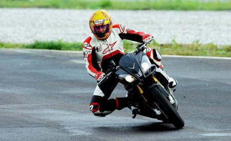 2014_Aprilia_Tuono_V4R_ABS_launch_Tor (26)