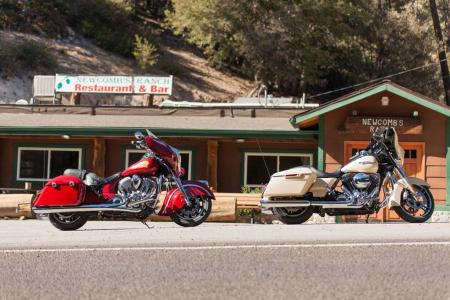 2014-Harley-Davidson-Street-Glide-Special-vs-Indian-Chieftain-IMG_0103