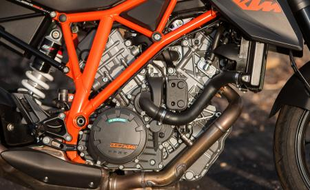 2014-streetfighter-shootout-engine-KTM-EBrasfield-6924