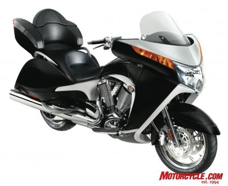 2009 Victory Motorcycles VVisionTour Blk 09 3QBeauty