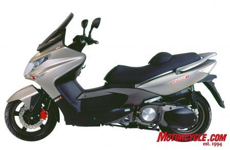 2010 Kymco Xciting 500Ri ABS Studio3