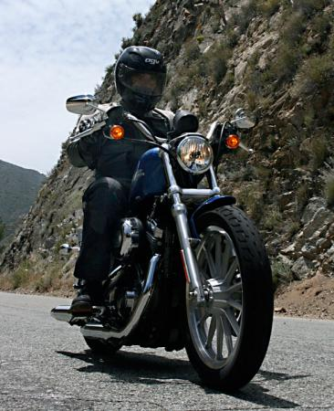 2010 Harley-Davidson Sportster 883 Low Action_Front