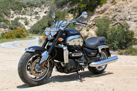 Triumph Rocket III Roadster vs Star VMax IMG_0610