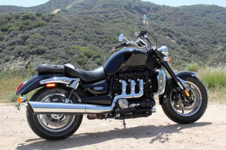 Triumph Rocket III Roadster vs Star VMax IMG_0604