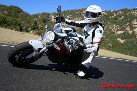 Ducati Monster 796 vs. Aprilia Shiver IMG 6845