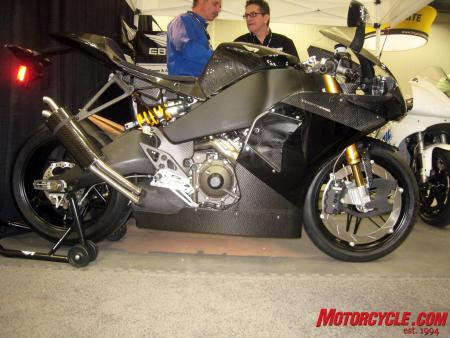022011-erik-buell-racing-1190rs-01