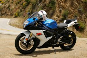 2011 Middleweight Sportbike Shootout - Street 001