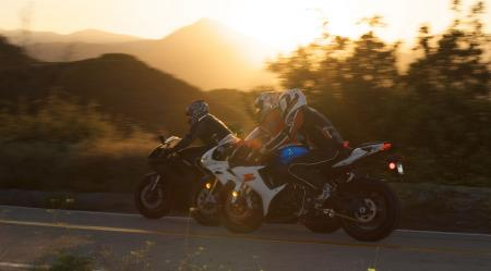 2011 Middleweight Sportbike Shootout - Street 137