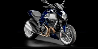 2013_Ducati_Diavel_Base.jpg