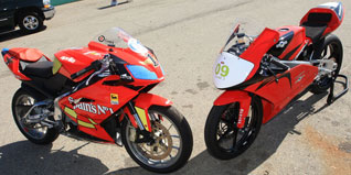 Moriwaki MD250H vs Aprilia RS125 Shootout