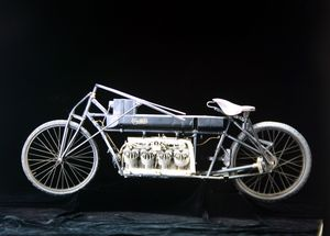 Curtiss' 136MPH motorcycle weighed 275Lbs and held the outright World Land Speed Record for eleven years.