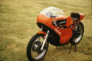 While the bike was also built in 350cc and 500cc versions, it was the 50 HP 6-speed 250 that earned enough points to win World Championships in 1974, 1975 and 1976