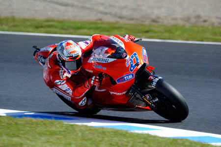 Last year's Sepang winner Casey Stoner arrives in Malaysia with a two-race winning streak.