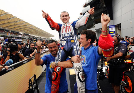 For a moment, Jorge Lorenzo considered racing the remaining rounds riding the shoulder of these two guys.