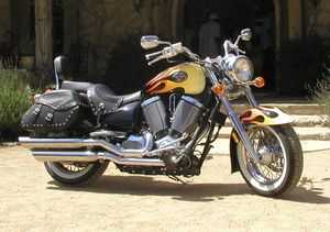 A fine-looking ride -- and it rides pretty fine too! The oil/air cooled 50-degree Freedom™ V-twin engine was more than adequate for a big cruiser.