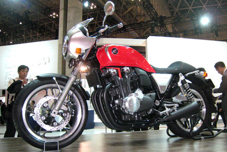 Although not yet a production bike, this is a sportier variant of the new CB1100.