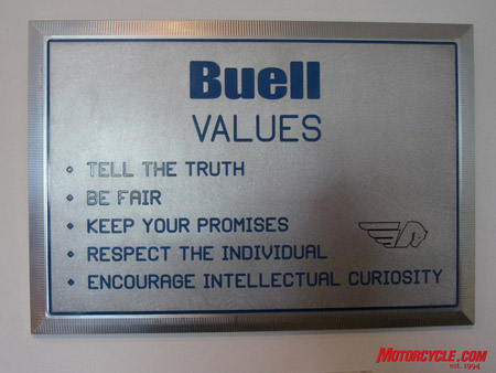 This plaque speaks volumes about Buell's style of business. (Photo by Troy Siahaan)