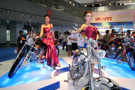 Lifan cruisers, including the new LF400 (left) and LF250 (right).