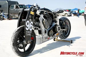 With the exception of the custom-fabricated S-shaped handlebars (which keep the rider's arms tucked in a more aerodynamic position), Wraith Prototype #2 received few visible mods for its attack on the salt.