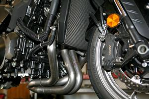 Here's a close look at the Area P's header pipes on a Kawasaki ZX-14 in a very early stage of development. In the quest for ultimate performance, the Bryants go through multiple prototypes, each one featuring slight changes to areas like the collector or the length and diameter of the header primaries.