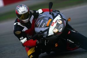Son-of-Yoshimura-founder Sean Alexander schoolin' people on the track.