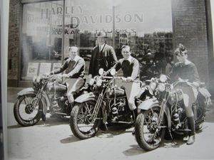 Second-generation Davidsons Gordon, Walter Jr. and Allan with Dud Perkins in San Francisco, 1929, while on an 8,000-mile tour.