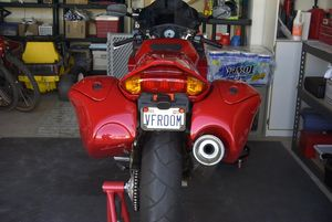 With a flowing design and perfectly matched paint, the Beetle Bags integrate nicely with Ian's pretty VFR.