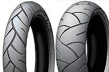 Michelin Pilot Sport: Silicium tread compound, large tread blocks and Radial Delta Technology.