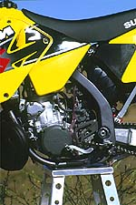 Rear frame sections reminds us of Kawasaki perimeter frame.