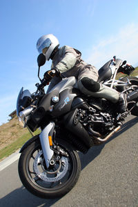Gabe complains about the K1200R feels vague at low speeds, when he is in fact vague at all speeds.