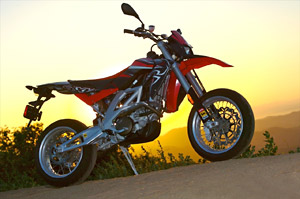 Supermoto splendor: the Aprilia SXV 5.5.