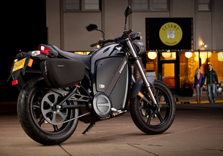 Shown with optional saddlebags, sans optional centerstand, the Enertia Plus is essentially a hopped-up Enertia boasting double the battery capacity, offering same top speed, but twice the range.