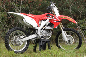 Despite sweeping changes in 2009, the 2010 CRF450R has continued to evolve.