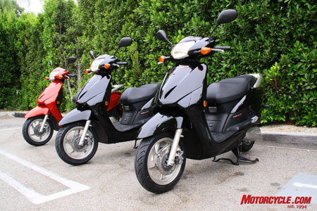 The 2010 Honda Elite comes in red or black and retails for just $2,999.